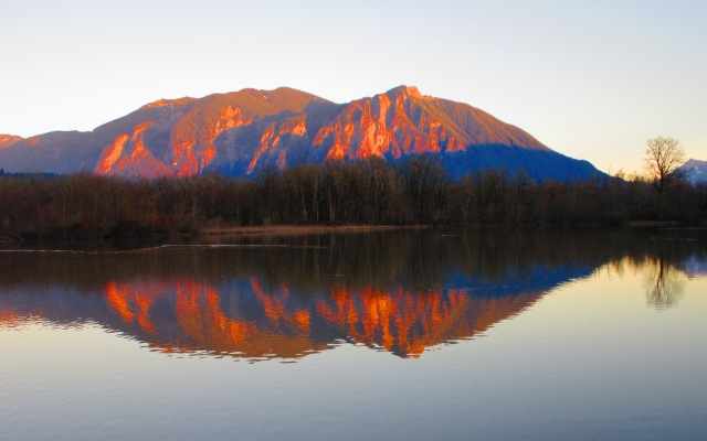 Mt. Si on the Mill Pond -Winter 2015
