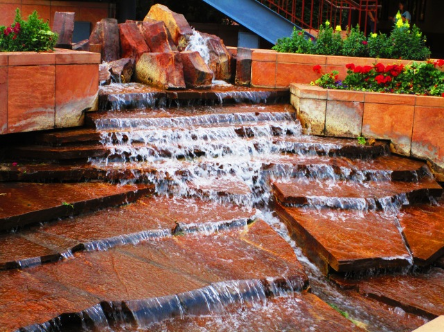 Fountain by the Food Court.JPG