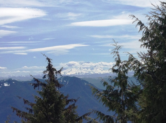Mount Rainier from atop Mount Teneriffe.JPG