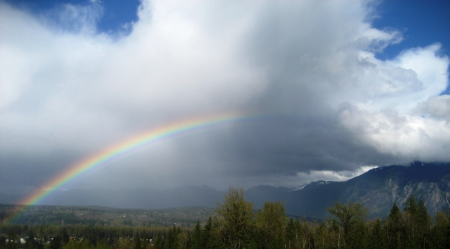 Rainbow and Mount Si April 2017